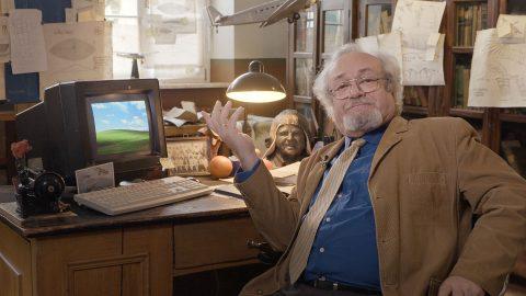 Prof. Dr. Nikolajew – Professor für Philosophie und Wissenschaftsgeschichte.
